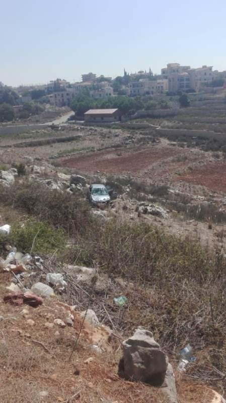 جريح بتدهور سيارته إلى واد بعد تصادم على طريق الشرقية النميرية
