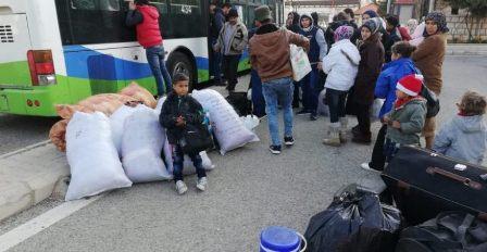 توافد النازحين السوريين الى المصنع تمهيدا لعودتهم الى بلادهم