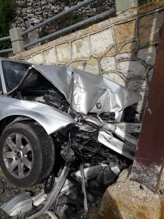 وفاة مواطن بإصطدام سيارته بعمود كهرباء في كفردبيان كسروان