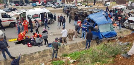 12 جريحا نتيجة حادث سير على أوتوستراد القلمون