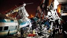 بالفيديو- قتلى وجرحى بحادث اصطدام قطارين في انقرة