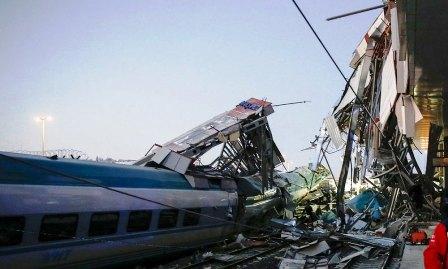 7 قتلى و46 جريحا في حادث قطار أنقرة في حصيلة جديدة