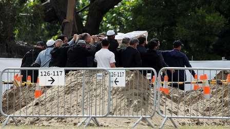 بالفيديو: تشييع ضحايا مجزرة المسجدين في نيوزيلندا