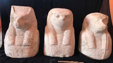 الآثار المصرية: العثور على تابوت به مومياء ورقائق ذهبية