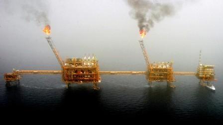 مسؤول إيراني: صادرات البتروكيمياويات الإيرانية لم تتوقف في أحلك الظروف