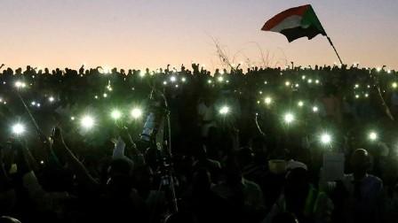 اتفاق في السودان يقضي بتأجيل