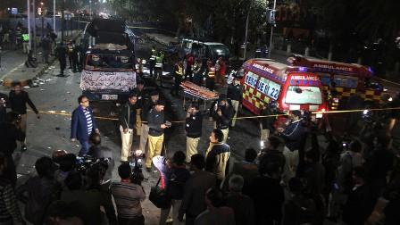 قتلى وجرحى بانفجار قرب مزار صوفي كبير في مدينة لاهور الباكستانية