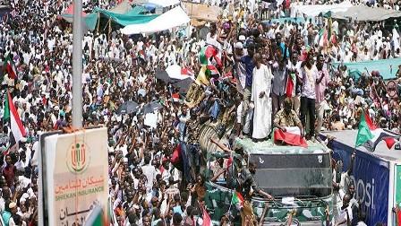 السودان.. المجلس العسكري وقوى التغيير يتفقان على تشكيل هياكل الحكم الثلاثة و3 سنوات انتقالية