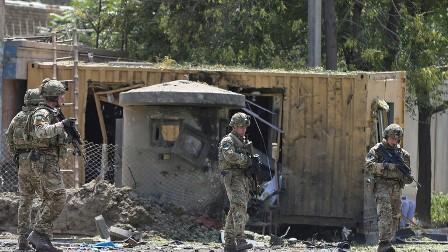 انفجار ضخم أمام السفارة الأمريكية في كابل