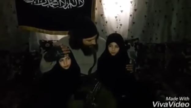 بالفيديو: أب يرسل ابنتيه لتفجير نفسيها في دمشق