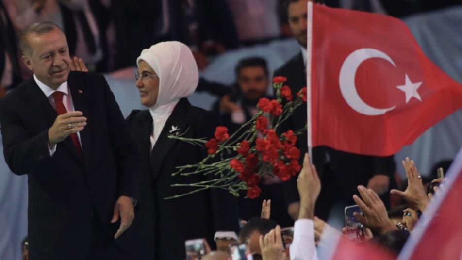 تركيا: تصعيد في العلن وطلب مساعدةٍ في السر؟