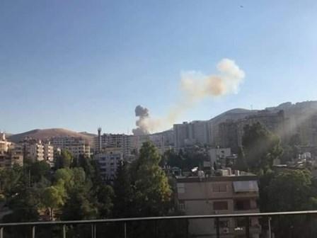 التلفزيون السوري: انفجار مستودع ذخيرة غربي دمشق بعد امتداد النيران اليه