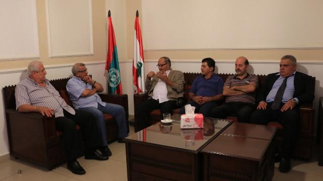 أسامة سعد  خلال لقاء وفد من الجبهة الديمقراطية لتحرير فلسطين : لوضع حدّ للخضات الأمنية  التي تزعزع الأمن والاستقرار في المخيمات