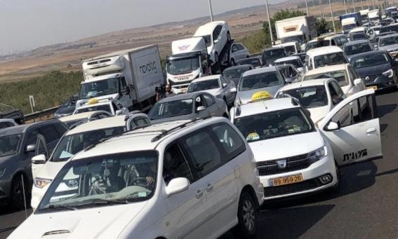 القافلة الاحتجاجية ضد العنف والجريمة تصل القدس
