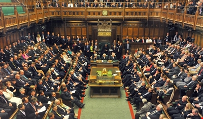 البرلمان البريطاني يؤيد دعوة ماي لإجراء انتخابات مُبكرة