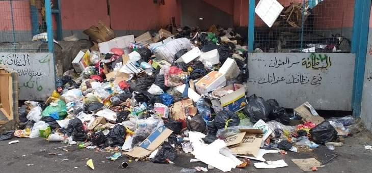 اضراب لعمال جمع النفايات في وكالة