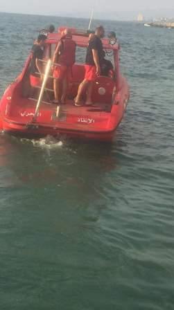 الدفاع المدني أنقذ شابين سوريين من الغرق على شاطىء زوق مكايل