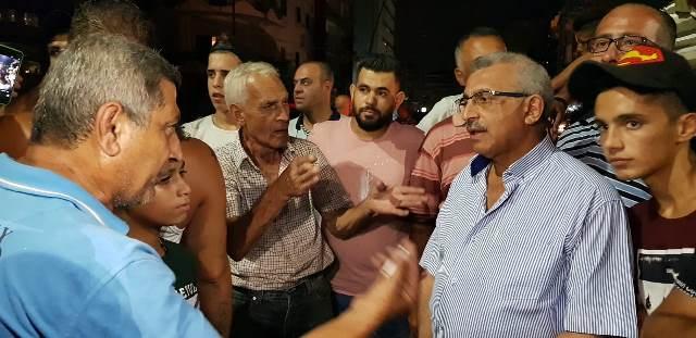 بالفيديو والصور.. إعتصام على البوابة الفوقا  بمشاركة أسامة سعد احتجاجاً على الانقطاع المتواصل للمياه عن مدينة صيدا
