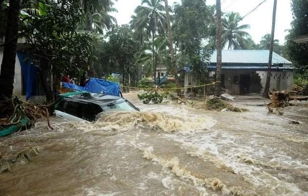 ارتفاع حصيلة ضحايا الفيضانات بالهند إلى 184 قتيلا وإجلاء نحو مليون شخص
