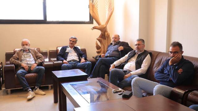 ممثلون لقوى الانتفاضة يجتمعون بحضور أسامة سعد، ويؤكدون على تصعيد التحركات الشعبية وسلميتها، ويستنكرون اعتقال الشباب المتظاهرين