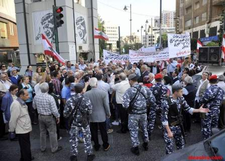 تجمع المحامين للطعن وتعديل قانون الايجارات نفذ اعتصاما في فرن الشباك