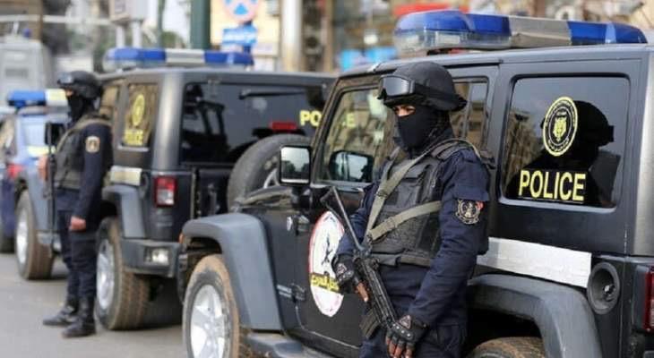 رويترز: السلطات المصرية ألقت القبض على اثنين من أعضاء منظمة حقوقية