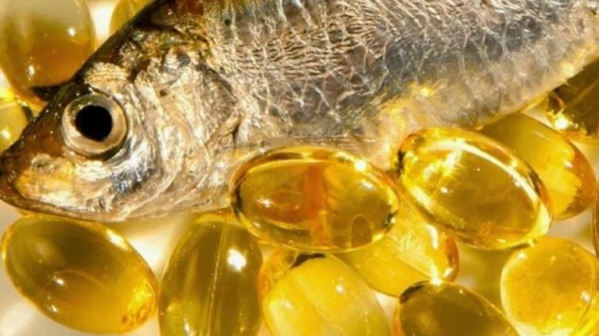 زيت السمك وفيتامين