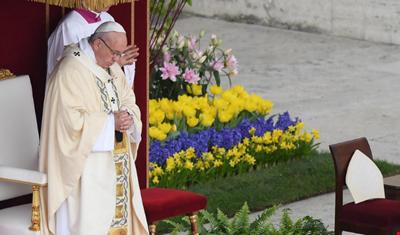البابا فرنسيس في عيد الفصح: تفجير حلب