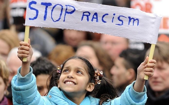 لماذا العنصرية الآن؟