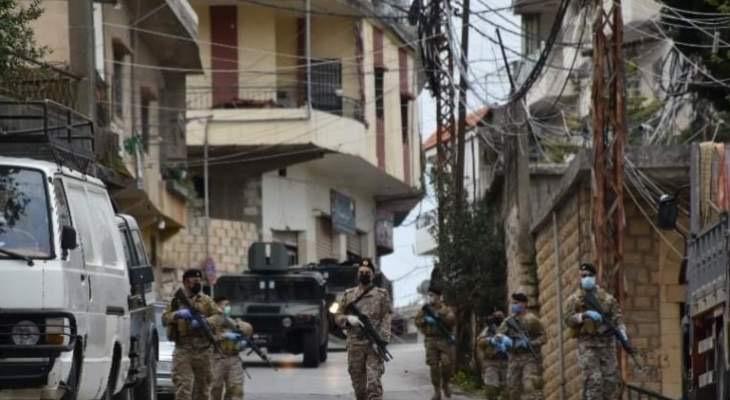 الجيش ألقى القبض على صاحب محطة محروقات هرب مازوت ببعلبك