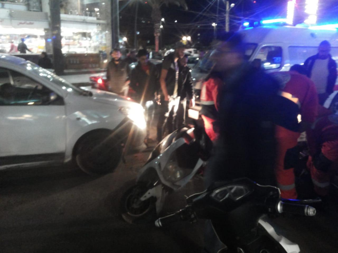 مواطنة تتعرض لحادثة صدم  أثناء ركوبها على دراجة نارية في صيدا