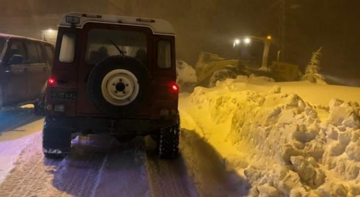 الدفاع المدني: فتح طريق ترشيش- زحلة وسحب ثلاث سيارات احتجزت اثر تراكم الثلوج