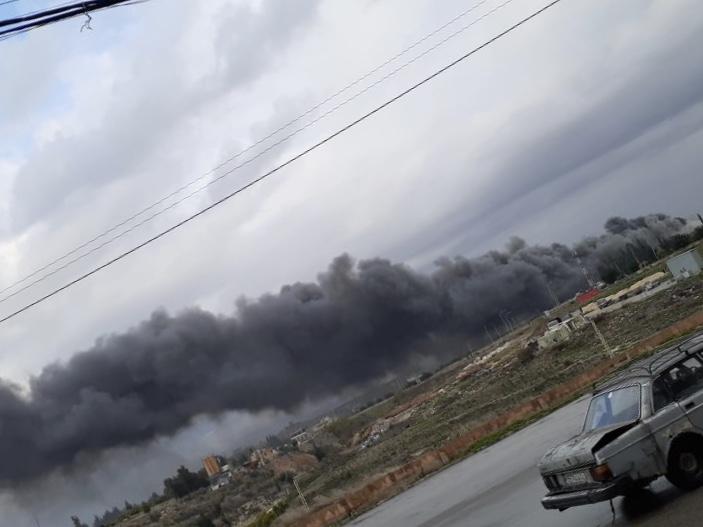 بالفيديو والصور: حريق كبير في معمل الرينغو لصناعة البطاطا  في الزهراني