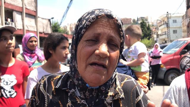 بالفيديو والصور: أهالي منطقة الفيلات في صيدا يحتجون ضد الغلاء المعيشي