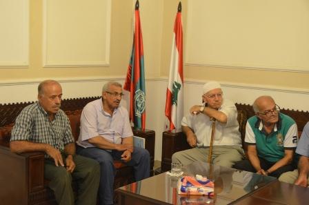 أسامة سعد خلال لقائه وفدا من صيادي الأسماك: على الدولة اللبنانية تأمين حقوق الصيادين