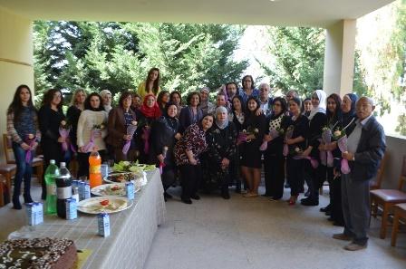 مدارس مؤسسة معروف سعد تحتفل بعيدي المعلم والمرأة العالمي