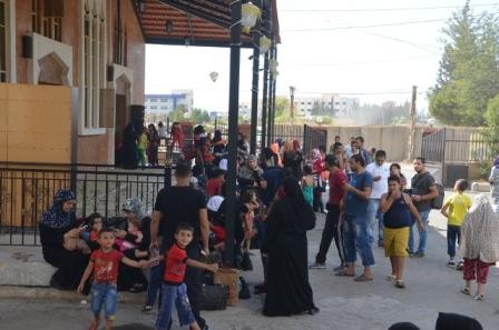 بالفيديو والصور: نزوح كثيف من مخيم عين الحلوة بعد توقيف أمير داعش المدعو عماد ياسين
