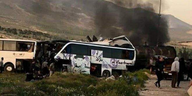 مقتل 30 شخصا بحادث سير مروع على طريق دمشق حمص