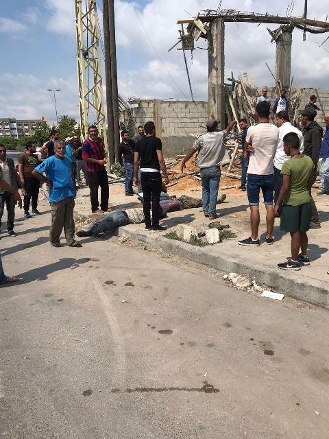 بالفيديو والصور: سقوط سقف مبنى قيد البناء على العمال بالقرب من الحسبة وعدد الجرحى اربعة