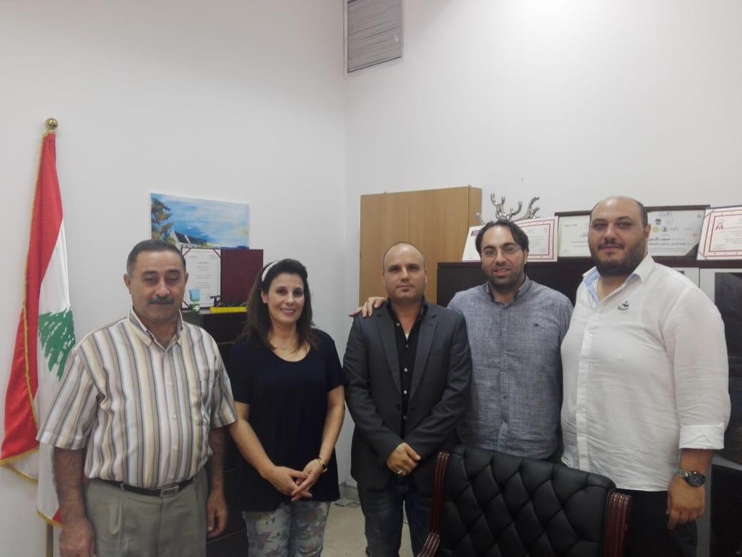 اعضاء المكتب التربوي للتنظيم الشعبي الناصري يجولون على عدد من مدارس صيدا الرسمية