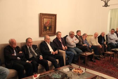 أسامة سعد خلال لقاء في منزله مع فاعليات ثقافية وسياسية واجتماعية  يشدد على أهمية الاستعداد للمشاركة الكثيفة في الانتخابات