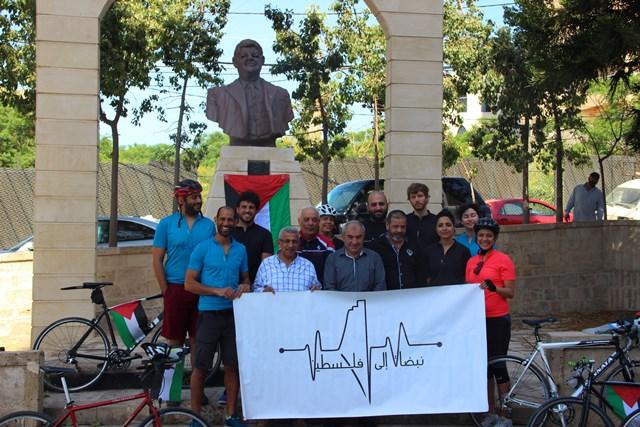 أسامة سعد خلال جولة  في المدينة الصناعية الأولى : هذه الأيادي هي عنوان الشرف والعزة والكرامة
