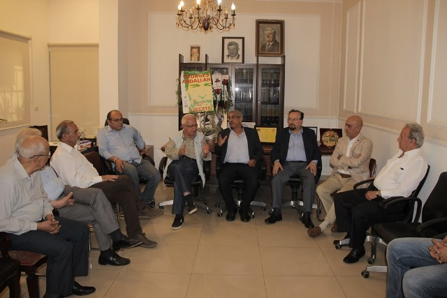 بالصور.. وفود وشخصيات تزور الدكتور أسامة سعد وتقدم له التهاني بفوزه في الانتخابات النيابية