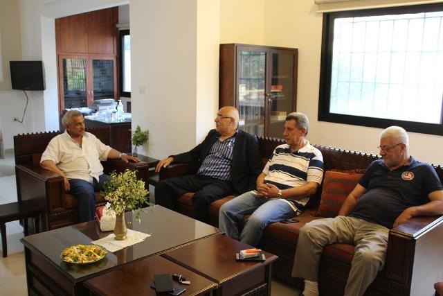 أسامة سعد مستقبلا  وفدا من الجبهة الشعبية لتحرير فلسطين: لاسقاط  صفقة القرن التصفوية وجريمة ضم الضفة الغربية والاغوار