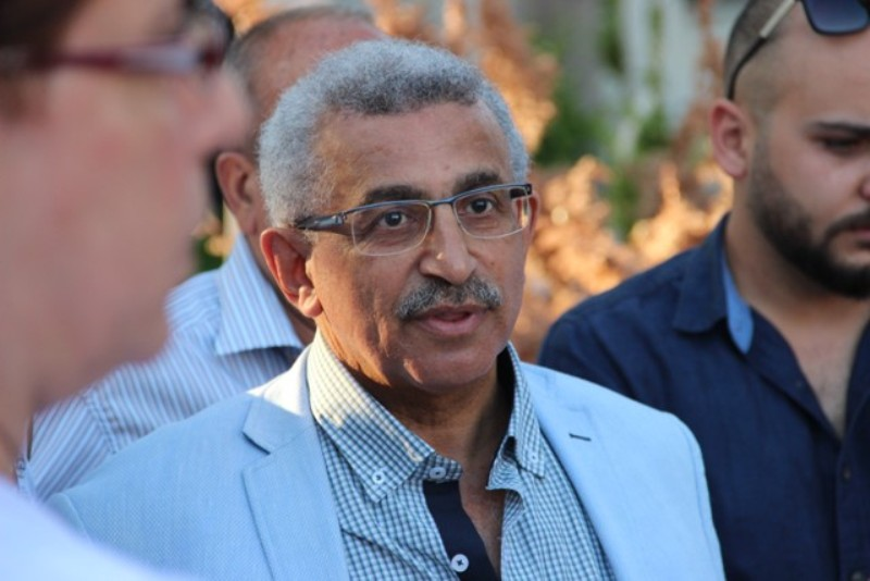 بالفيديو والصور: أسامة سعد يؤدي صلاة العيد ويزور أضرحة الشهداء