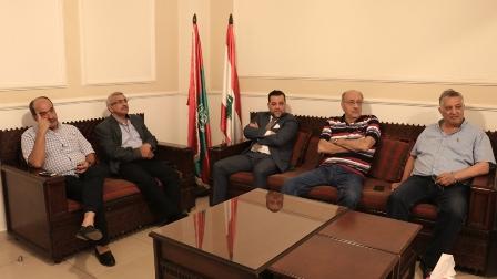أسامة سعد يستقبل المزيد من المهنئين في مكتبه