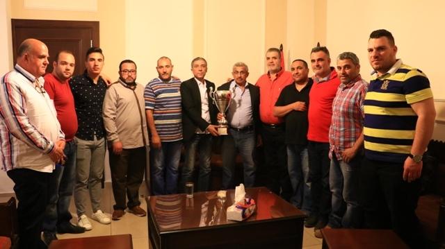 أسامة سعد يستقبل وفدا من نادي الحرية الرياضي