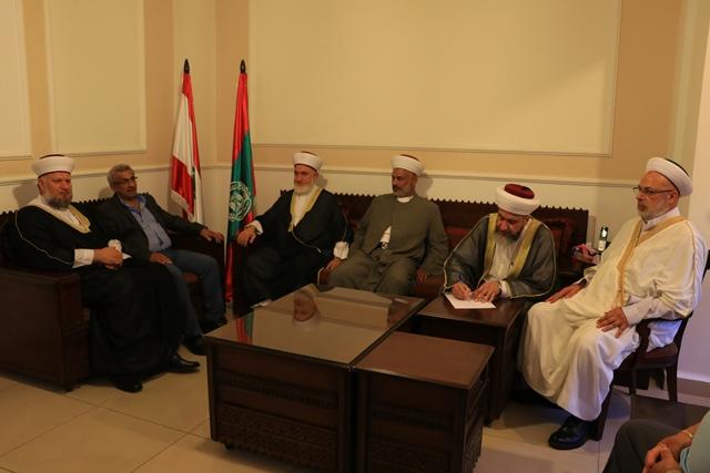 بالصور... وفد مجلس علماء فلسطين يزور أسامة سعد