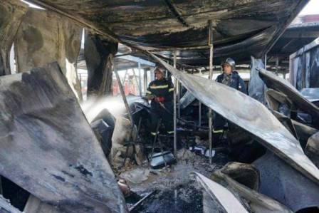 حريق في مخيم موريا... مهاجرون غاضبون اشعلوا النار بمستوعبات خدمة اللجوء
