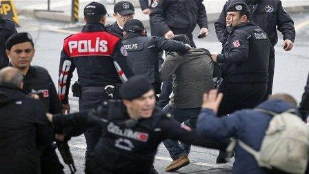 تركيا تعتقل 35 شخصا يشتبه بأنهم أعضاء في داعش